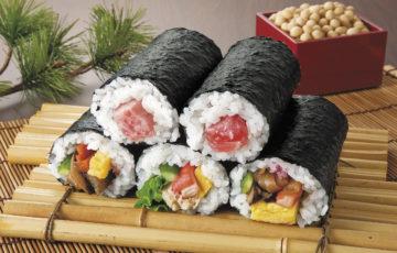 巻き寿司レシピ|子供に人気の具5選!簡単に巻く方法を動画付きで紹介!